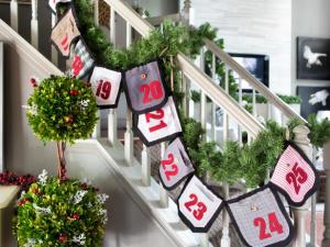 Homemade Christmas Staircase Decor